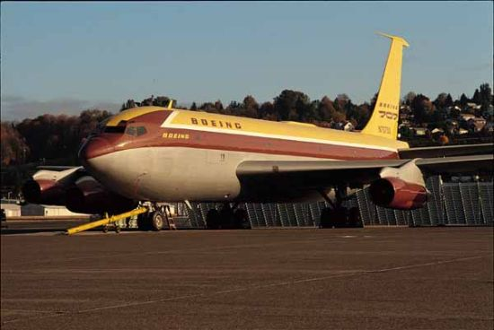 Aerospaceweb.org | Ask Us - Boeing 707 History