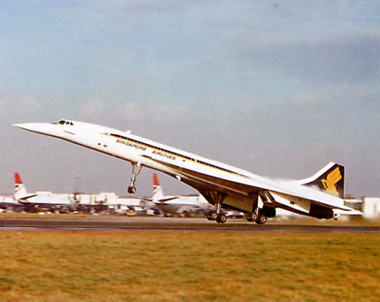 Concorde in Singapore Airlines livery