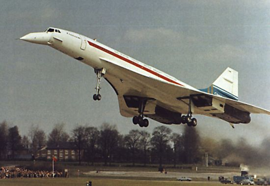 First flight of the second Concorde prototype