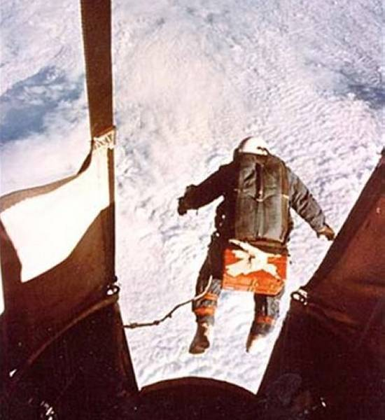 joe kittinger the first man to reach terminal velocity Joe kittinger - life magazine cover joe kittinger - jump  he was actually the  very first man in space and the first man to reach the speed of sound  the  runway at fort pierce was right at the maximum allowable for the cirrus.